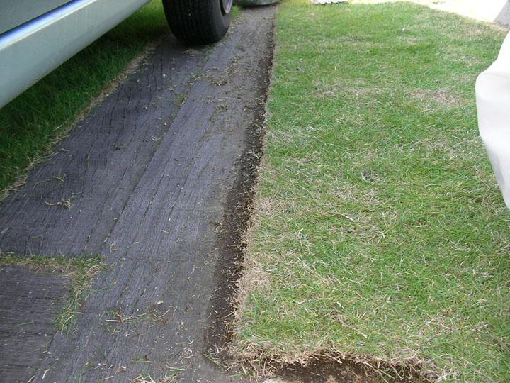 芝刈りと芝生のレイアウト変更6