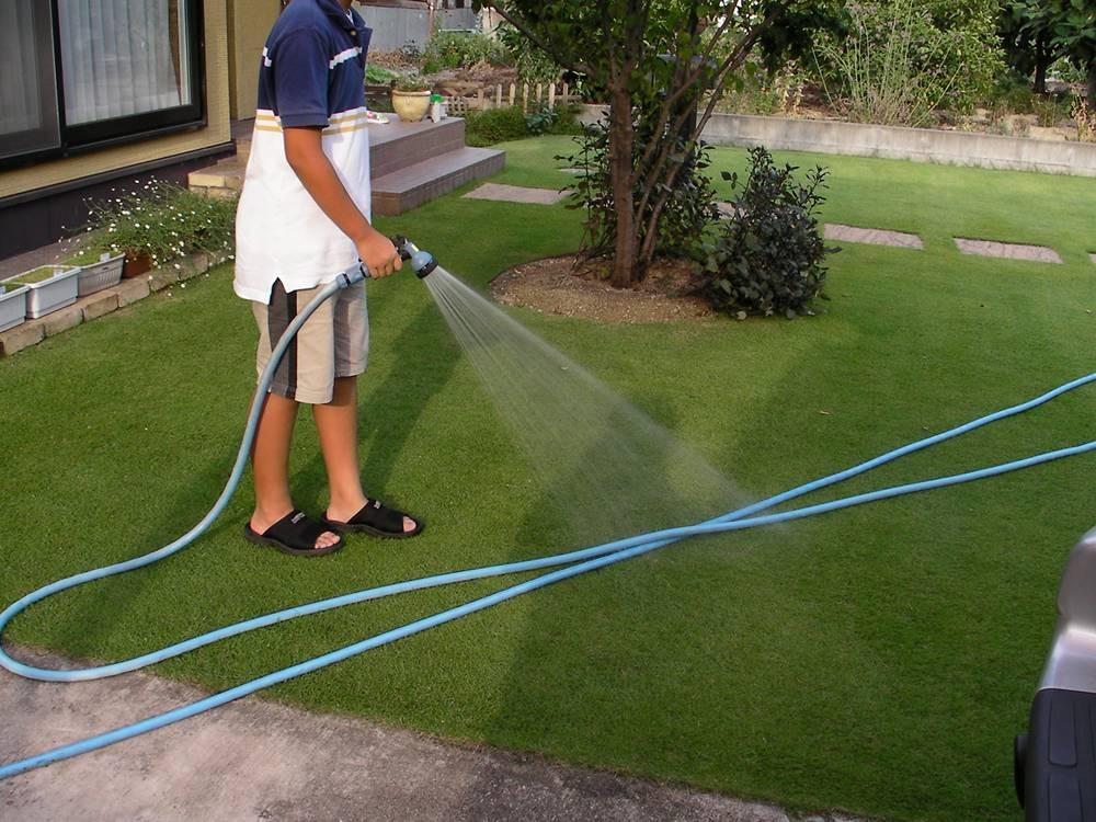 肥料散布後の散水