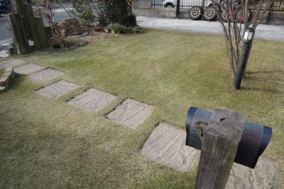 休眠前の芝生は刈り高を高めにする