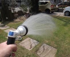 芝生への散水