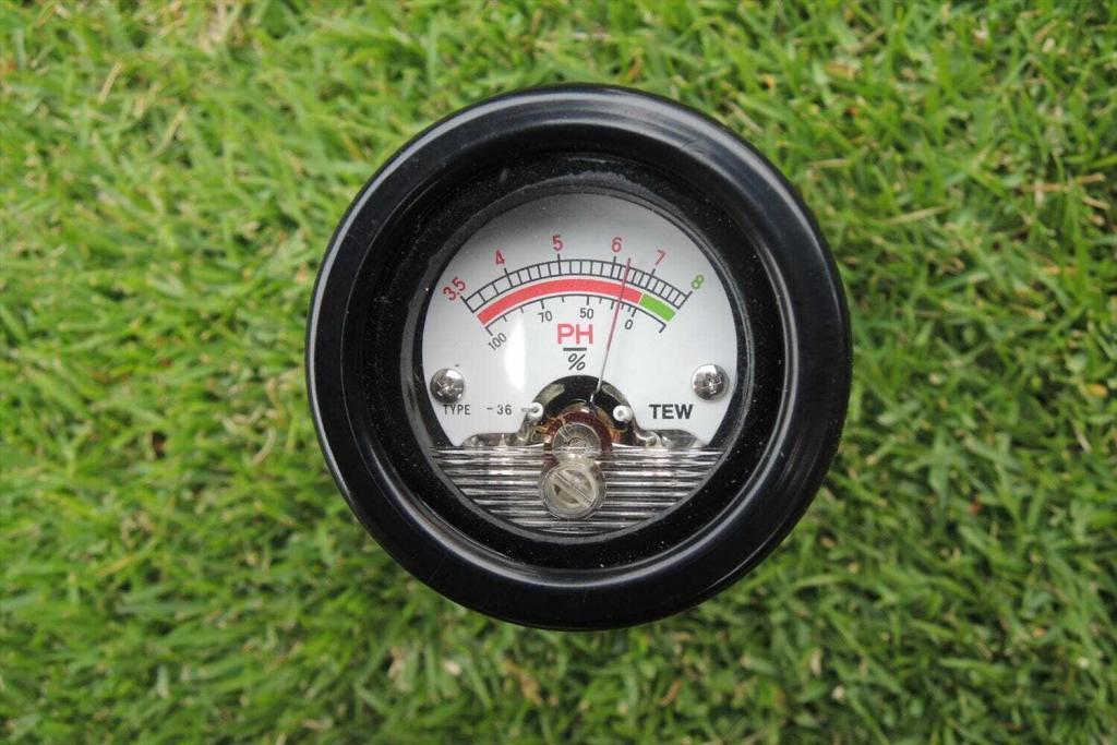 キノコ対策と土壌pHの測定