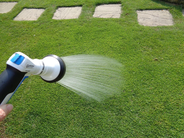 粒状肥料の散布